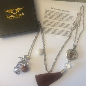 Angel wing essential oil necklace / car diffuser